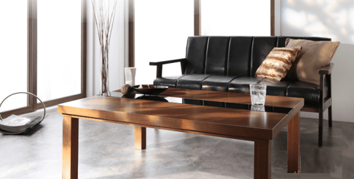 トラッドスタイルのテーブル